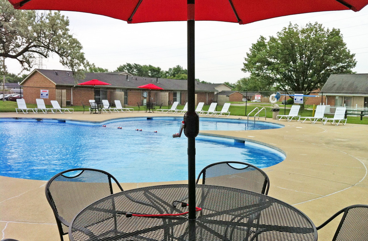 Cambridge estates townhome rentals in lafayette in for Affordable pools lafayette louisiana
